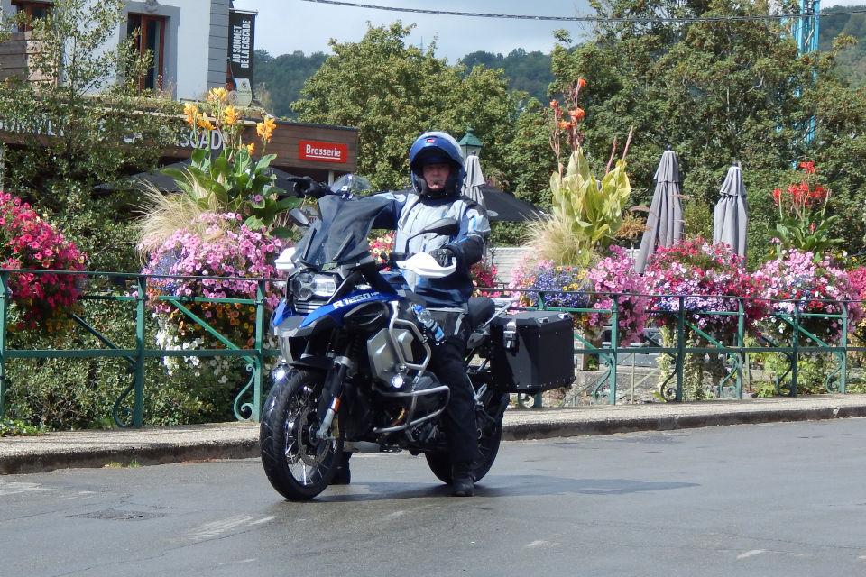 Motorrijbewijspoint Zoetermeer examengarantie AVB en AVD